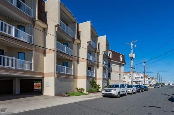 Under Contract  61 85th Street Unit A303